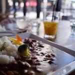 佐賀県佐賀市 洋風定食屋「MoiMoi」、 学生に人気の肉料理。
