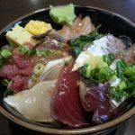 丼万次郎 、神奈川県小田原市にある地魚を格安でたらふく食べられるお店